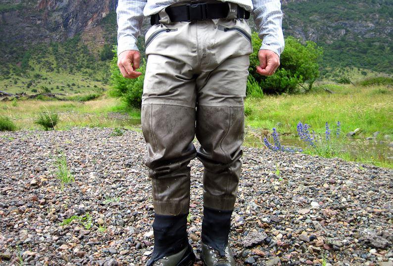 El Lavado Correcto de sus Waders para la Pesca con Mosca SIMMS